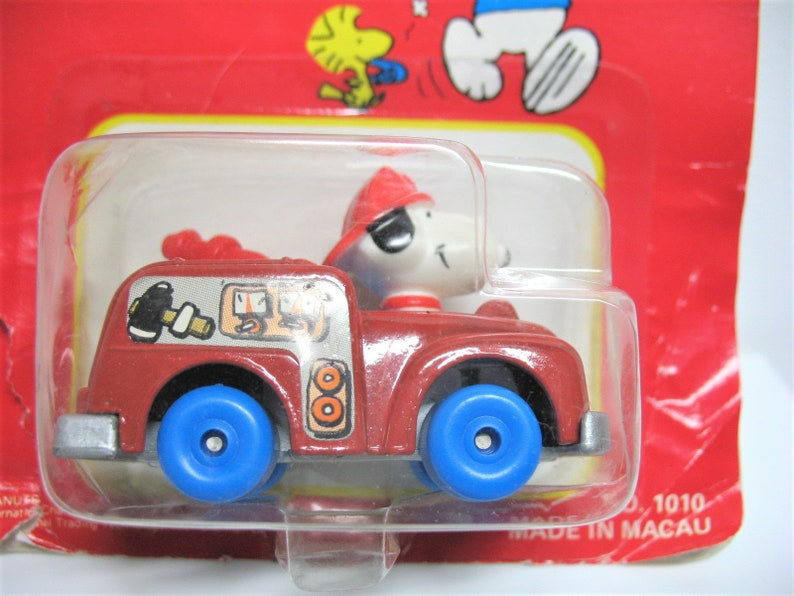 Vintage late 1970s Snoopy fire engine