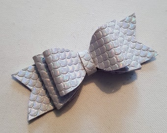 White Woven Leatherette Effect Hair Bow
