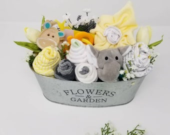 6ea4ce253bbe Baby shower gift basket