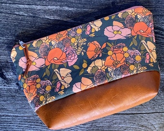 Makeup Bag   Cosmetic Bag   Zipper Pouch   Travel Bag   Vegan Leather   Modern Florals