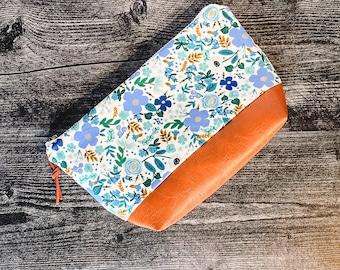 Makeup Bag   Cosmetic Bag   Zipper Pouch   Travel Bag   Vegan Leather   Rifle Paper Co Modern Florals
