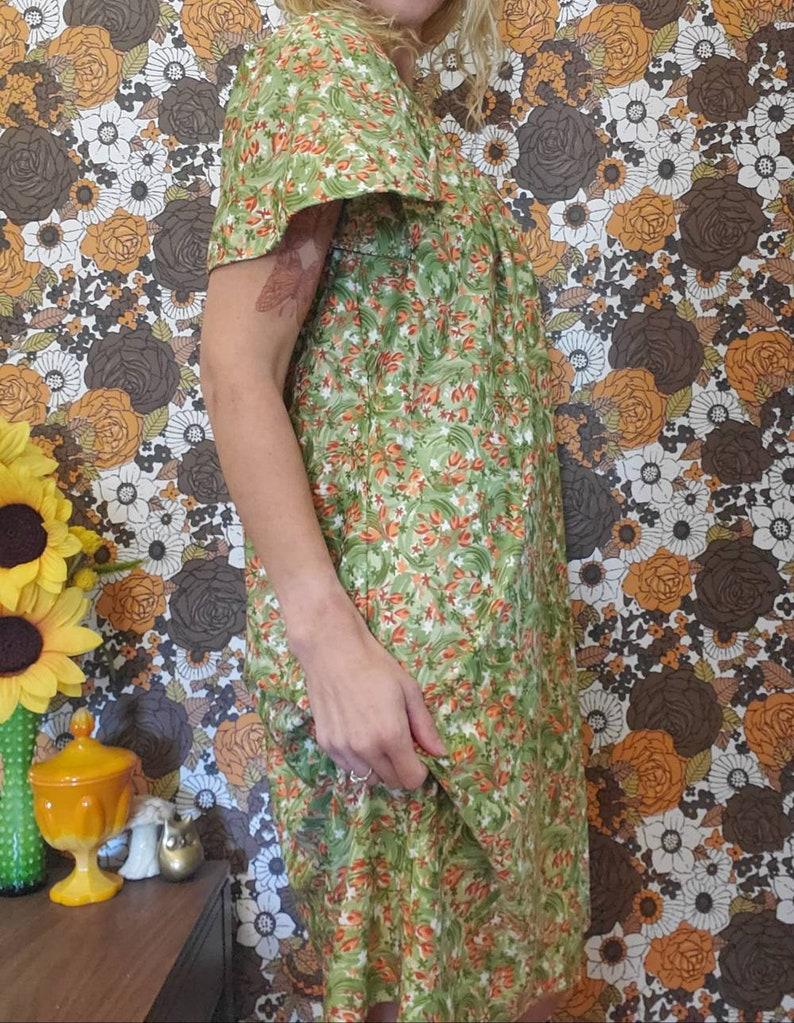 Vintage Silky Floral Green Orange Rust Dress Med Large Flutter Short Sleeves