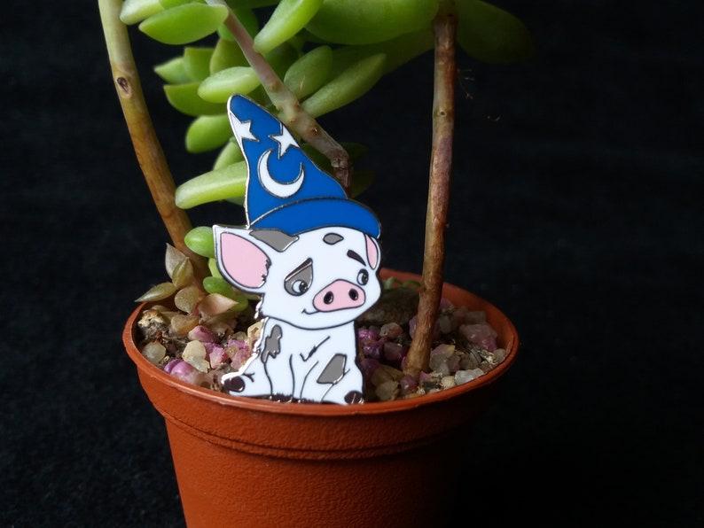 Pin Disney Fantasy  Pua Sorcerer from Moana   Boom Fantasy image 0