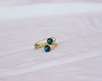 Ring with green pearled beads, Boho elegant ring, green pearled beads