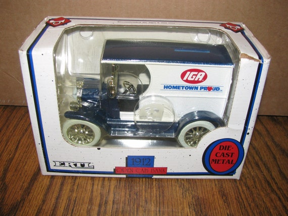 Coin Bank w//key Vintage Die Cast 1932  Panel Delivery Truck 1//25 Scale; New