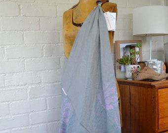The linen weekender bag