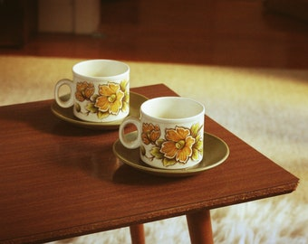 Set of 2 vintage cups and saucers