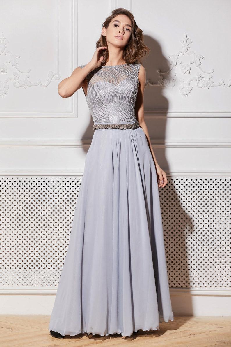 47e5734824f2d1 Grijze avondjurk jurken bruiloft maxi jurk bruiloft gast