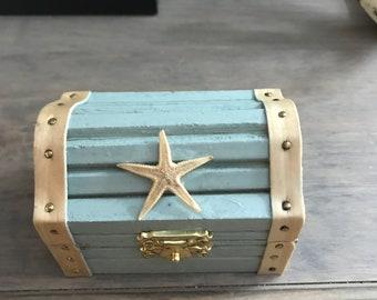 Treasure chest jewelry holder