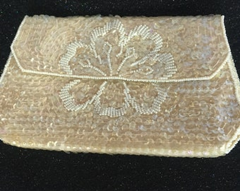 Vintage 1950's off-white beaded clutch purse