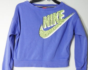 442cd82a1af89b Nike Vintage Womens XL Pullover SweatShirt Crop Top Thumb Holes Purple Red  Tag