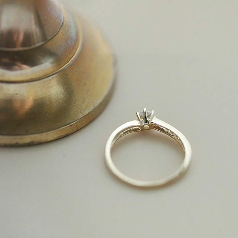 9k solid gold classic Six-claw crystal Ring Dainty minimalist minimal victorian style Gift Bridesmaid Stacking Wedding Bride Engagement