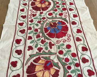 Genial Suzani Fabric Hand Embroidered Table Runner   Uzbek Floral Tablecloth