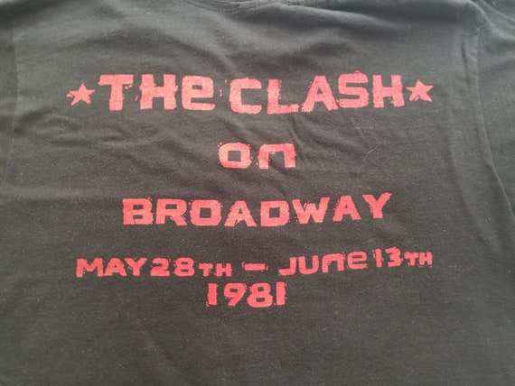 The Clash On Broadway T-Shirt - 1981 - Extremely … - image 4