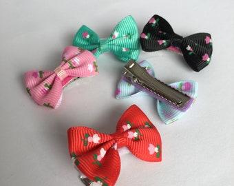 Mixed colour bow clips