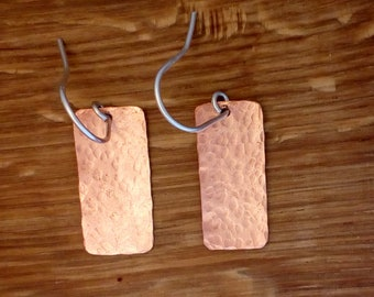 Delicate copper hammered rectangle earrings, Hammered copper earrings, Light copper earrings