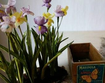 Dollhouse miniature garden flower iris bush 1:12
