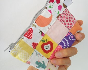 Small Pouch, Patchwork, quilt, handmade, one of a kind pouch, colorful pouch, pink, zipper, zippered pouch, cosmetic, bag, small bag, fabric