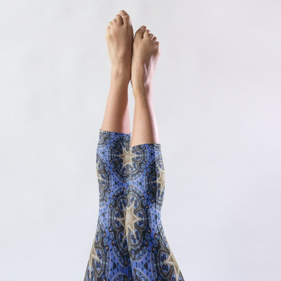 Starry Night Capri Leggings, Festival Outfit, Workout Cropped Tights for Yoga, Festival Wear, Lounging. Star Pattern Unique Yoga Pants