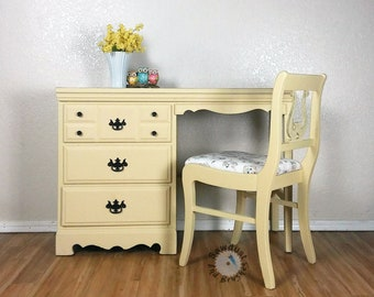 Vanity desk with chair