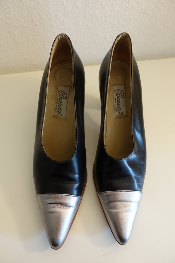 80s pointed pumps, 38