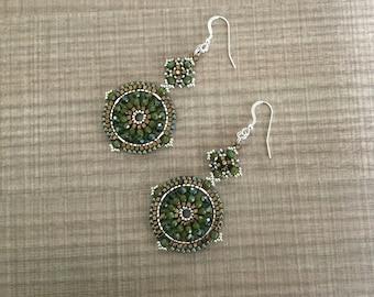 Compass rose earrings in moss