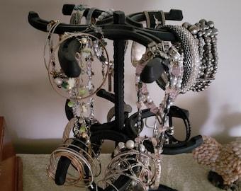 Jewelry/Bracelet Holder (Horseshoes)