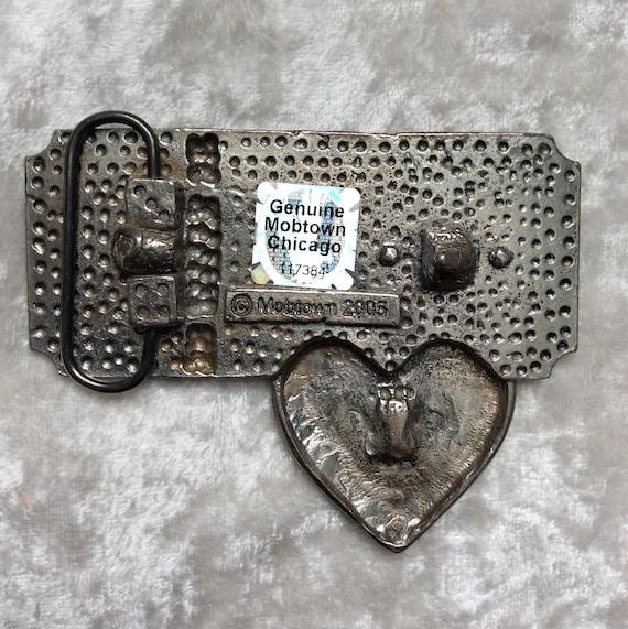 jolie et colorée double coupon disponible Cadenas boucle de ceinture coeur, Mobtown, Chicago ...