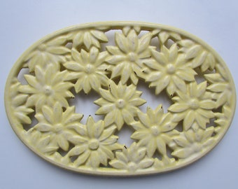 Yellow Daisy INVECTA enameled cast iron trivet