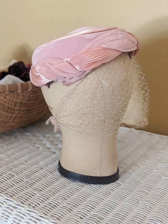 Vintage 1950s / 1960s Pink Cocktail Pillbox Hat wi