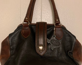 Vintage Leather N Texas Western Black & Brown 2 Tone Heart Snap Hand Bag Purse