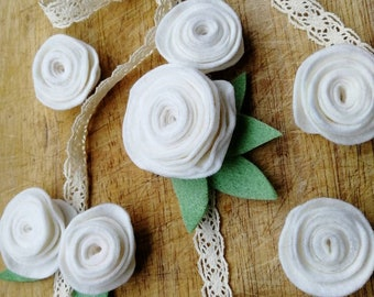 Ivory ranunculus garland - Floral wedding decor - Floral Wall hanging