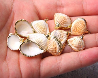 Clam Shell 6518 Shell Pendant Natural Sea Shell Pendant 38mm x 43mm Sea Shell Gold Plated Seashell Seashell Scallop Shell
