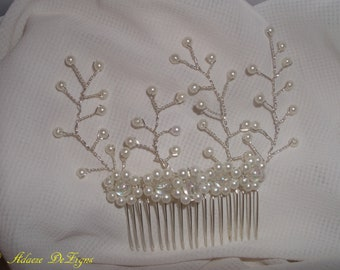 Bridal hair comb (with pearl like beads)