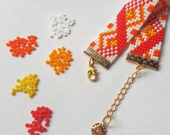 3bbb109318fa Pulsera tejida. Con mostacillas Checas en tonalidades naranja y amarillo.  Envio gratis a Colombia en ciudades principales.