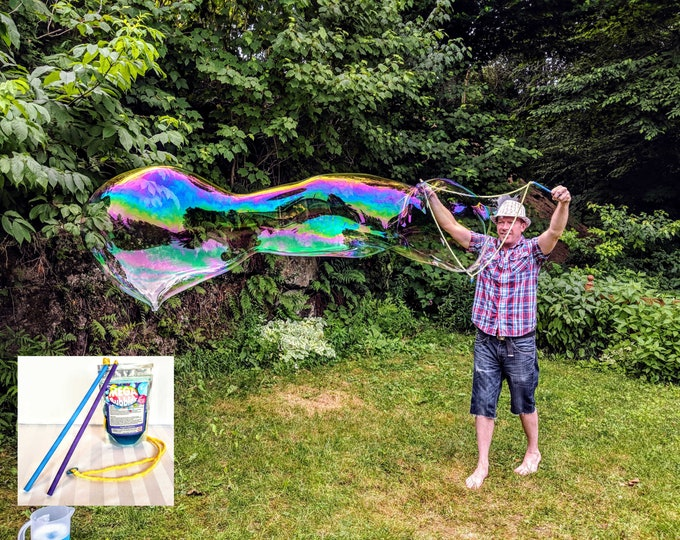 Mega Bubbles KIT - 1 Wand (32 cm) & 1 pack of concentrated Mega Bubbles solution - makes 3+litres - Make huge bubbles - Free delivery Canada
