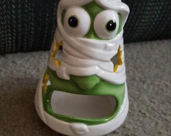 Mummy candle holder