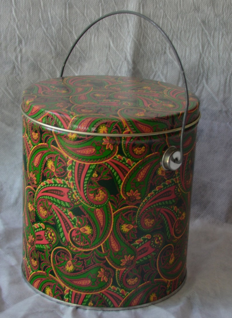 eb2424 Vintage Paisley Tin Can With Cover and Bale 7-14 Tall and 6 Diameter