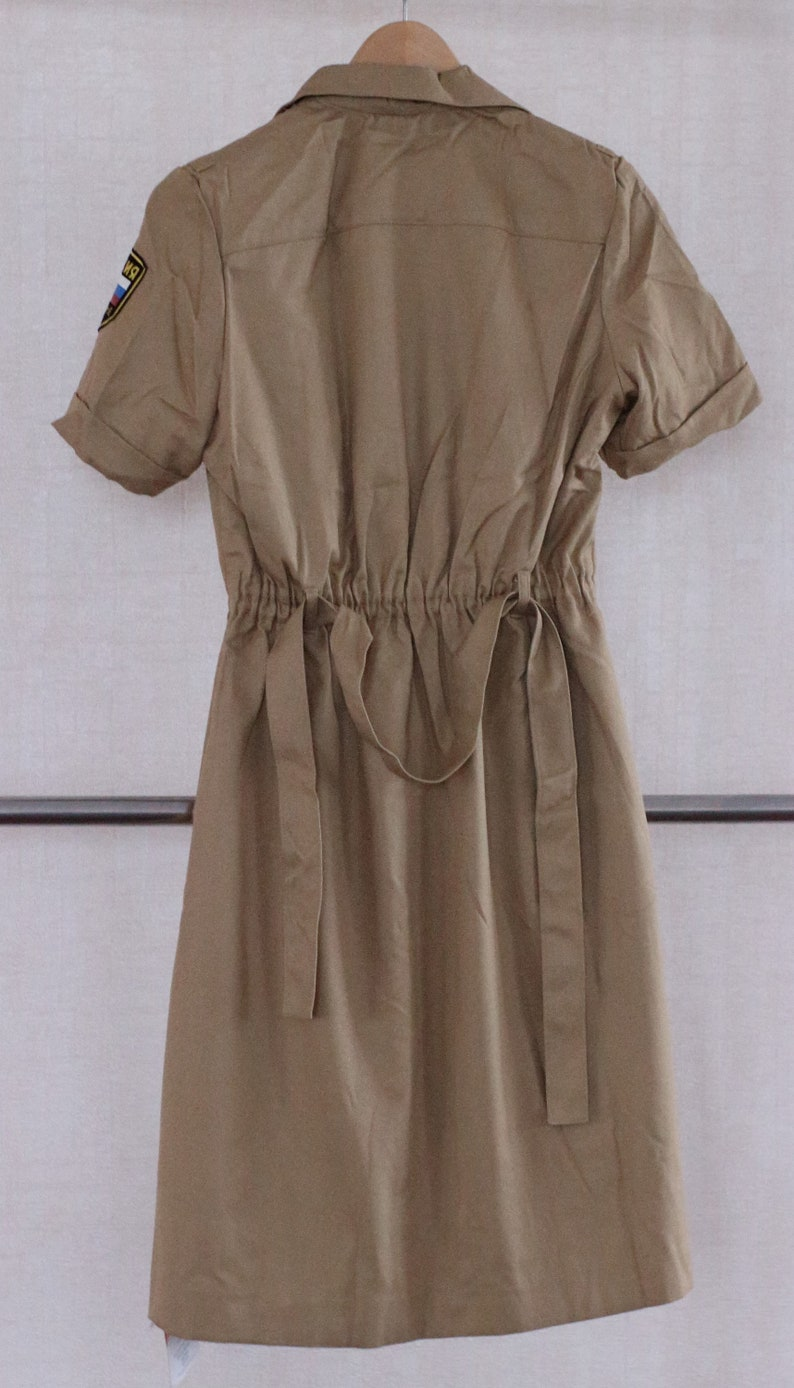 Women/'s military uniform dress in the Russian army M and 48 L Size 46