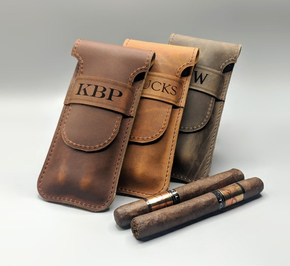 Corporate Gifts,Mens Gifts,Cigar Case Your Choice of ImageWords Groomsmen Gifts Engraved Cigar Case Personalized Leatherette Cigar Case