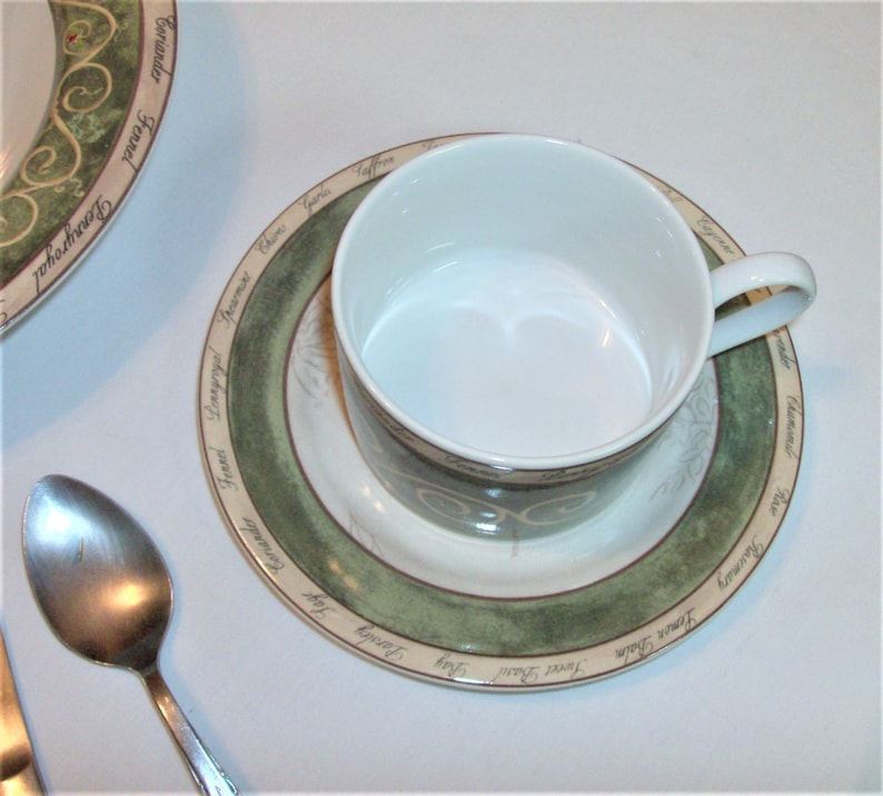 1 Dinner Plate 1 Salad Dessert Plate 1 Soup Bowl 1 Cup /& Saucer Set 4 Available American Atelier BOUQUET GARNI Place Setting