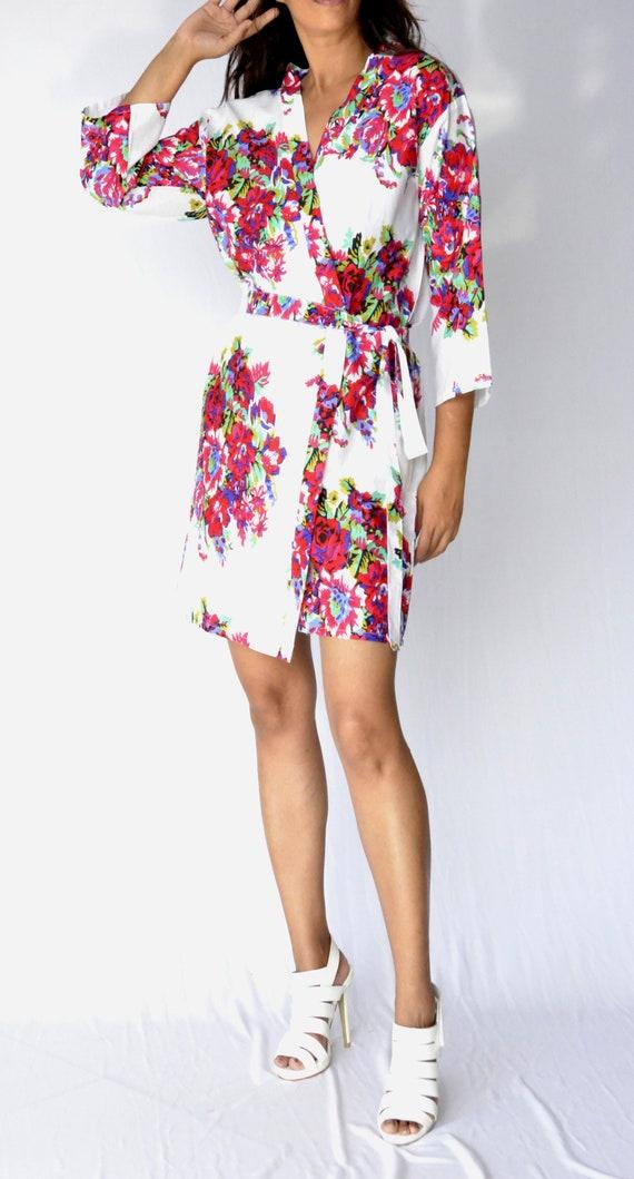 Blanc Robe fleuri, Robe de demoiselle d'honneur, Robe de mariée, robe de mariée, Kimono, Wrap Dress, Robe de coton, robe d'été, cadeau pour elle