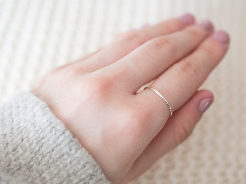 Super Thin Silver Ring Minimal Jewelry Silver Rings for Women Dainty Sterling Silver Ring