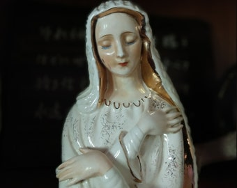 Vintage Virgin Mother Mary Praying Planter Vase
