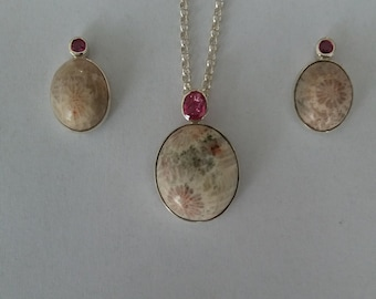Fossilised coral and ruby pendant and stud earrings set