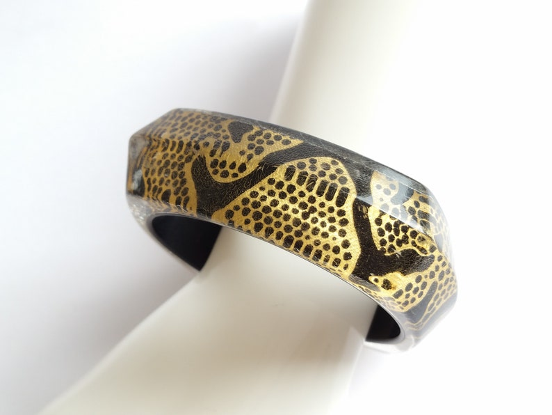 Vintage animal print bangle clear lucite black and gold animal print