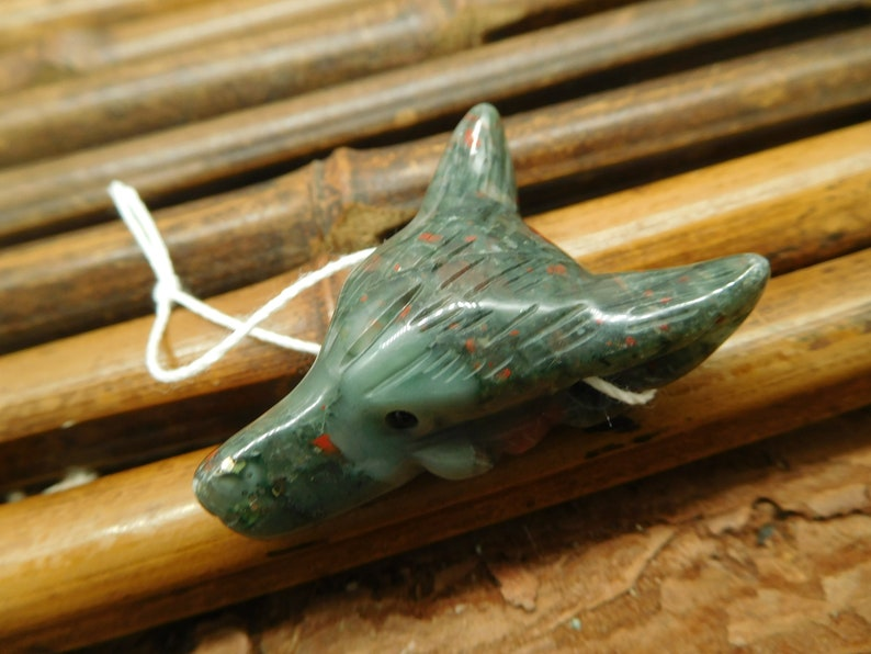 Spirit Animal Crystal Wolf Handmade Jewelry Wolf Choker Handmade Pendant Special Gift B2678 African Bloodstone Hand Carved Wolf