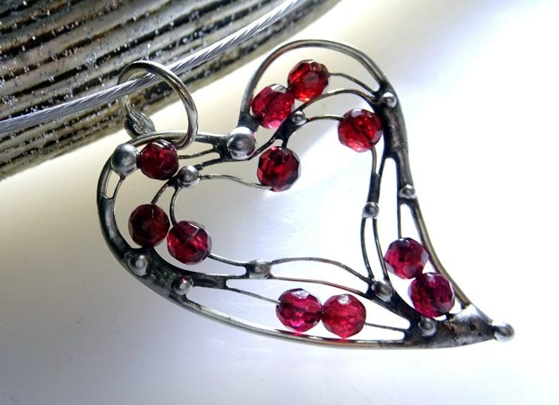 UNIKAT! Powerful Garnet Heart Pendant