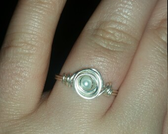 Silver wire ring with pearl