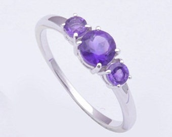Handmade 925 sterling silver ring with amethyst gemstone